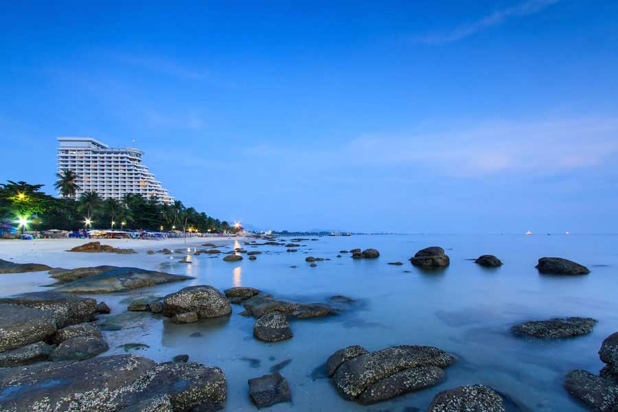 With its long sandy beaches, many shopping options, local &  international restaurants, night markets, it's easy to see why Hua Hin is a favorite holiday destination for many.