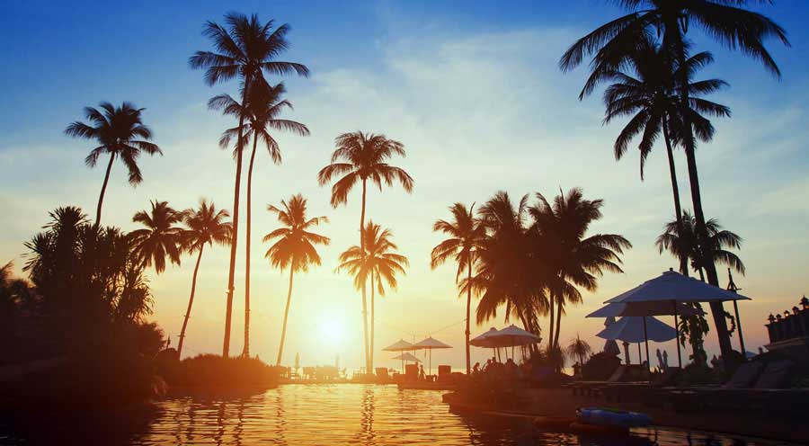 Pattaya's sunset rivals any beaches in Thailand. Thai Happy Taxi is a trusted name in private transfer to Pattaya.