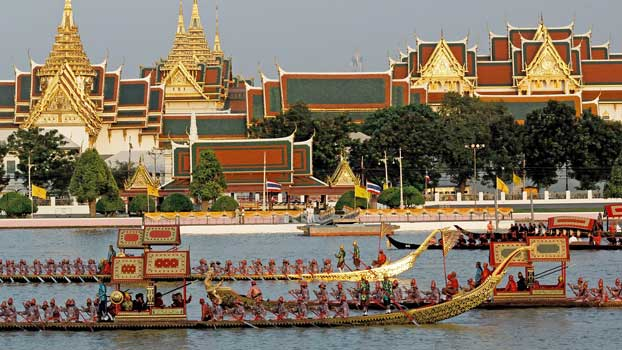 The majestic Royal Barge Possession