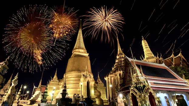 The illuminating Bangkok Wat Phra Kaew
